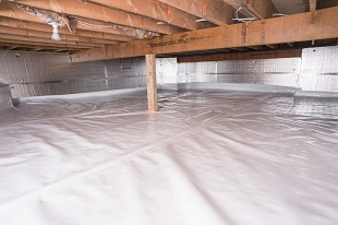 A complete crawl space vapor barrier in Moorpark installed by our contractors